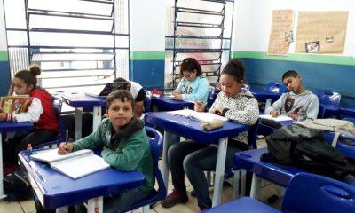 Prefeitura adquire novo mobiliário para unidades municipais de ensino