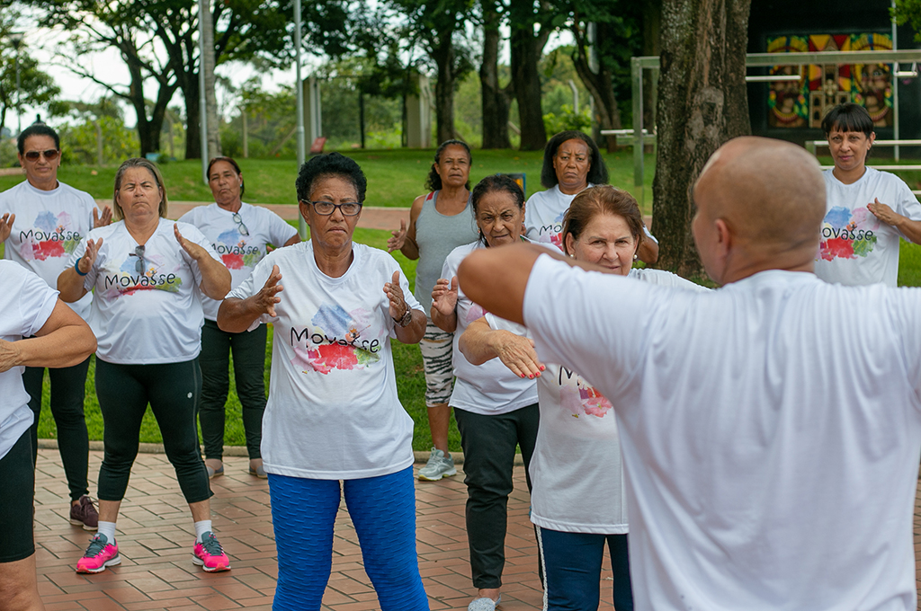 Prefeitura recepciona idosos do projeto Movasse no Parque do Cristo