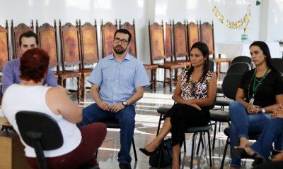 Vereadores Raphael Rios e Fernanda Castelha viabilizam castração e vacinação de cães abandonados que vivem no campus do Uniaraxá