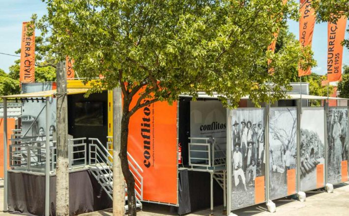 Caminhão Museu da UFMG marca presença no 8º Fliaraxá