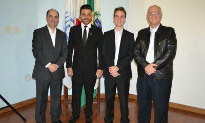 Felipe Rosa é empossado presidente da Acia Jovem