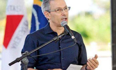 Governador sanciona reforma com corte de 42% no número de secretarias