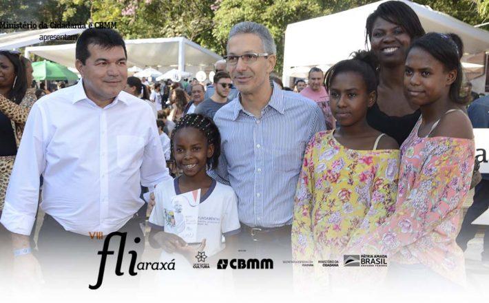 Fliaraxá encanta governador Romeu Zema