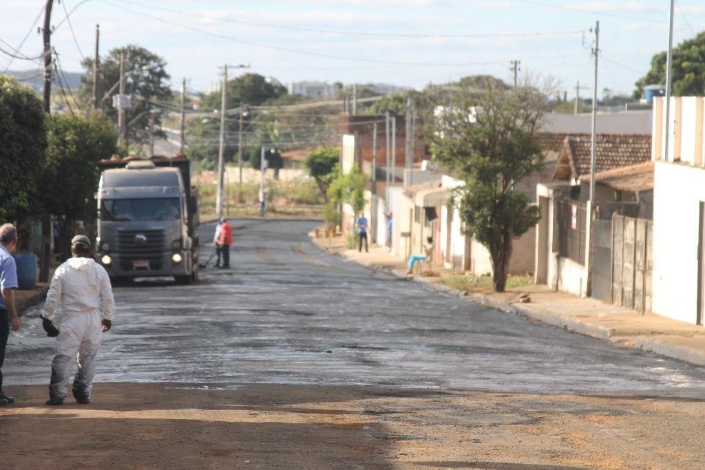 Prefeitura inicia recapeamento asfáltico no bairro São Domingos