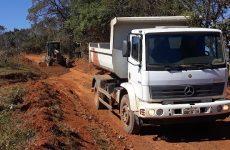 Secretaria de Desenvolvimento Rural recupera estrada da região do Tamanduá