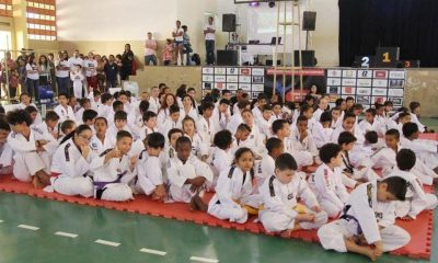 Alunos da rede municipal participam do Festival Regional Estudantil de Taekwondo