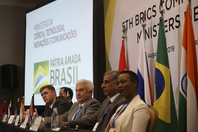 Brics defende maior cooperação e integração por meio da tecnologia digital