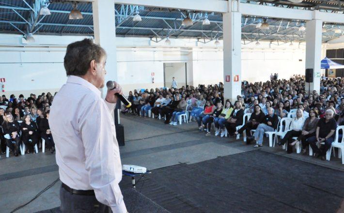 Prefeitura promoveu workshop motivacional para os servidores da educação