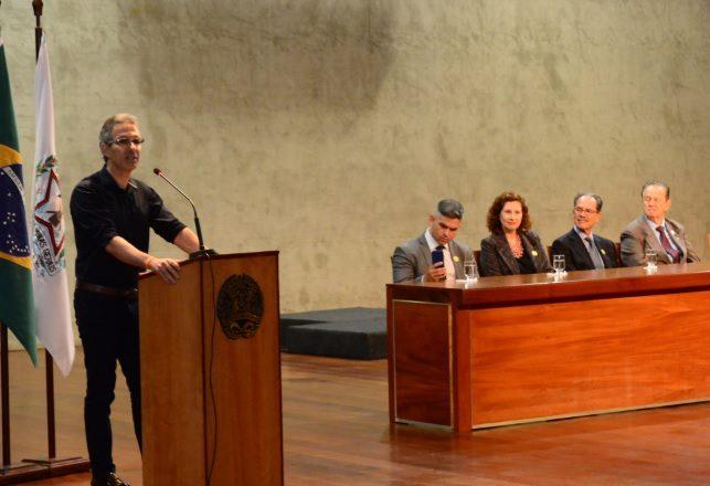 Governador Romeu Zema recebe 102 aprovados pelo Programa Transforma Minas