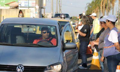 Prefeitura promove blitz educativa do Agosto Dourado em frente a Uninordeste