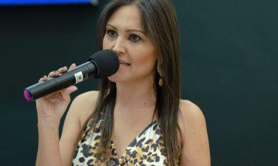 Vereadora Fernanda Castelha fala de retaliações que vem sofrendo do poder executivo