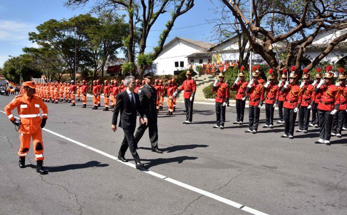 Romeu Zema participa do aniversário de 108 anos do Corpo de Bombeiros Militar de Minas Gerais