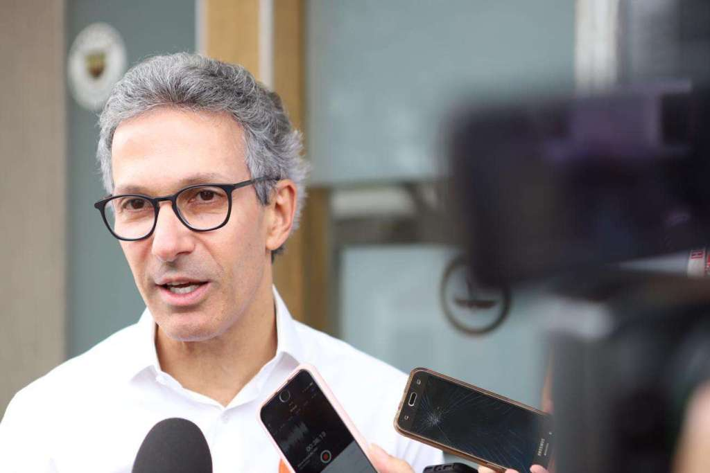 Romeu Zema libera R$ 17 milhões para compra de medicamentos