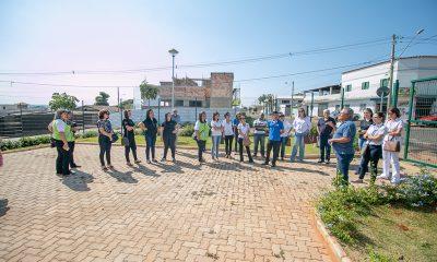 Prefeitura leva representantes de instituições para um tour pelas obras