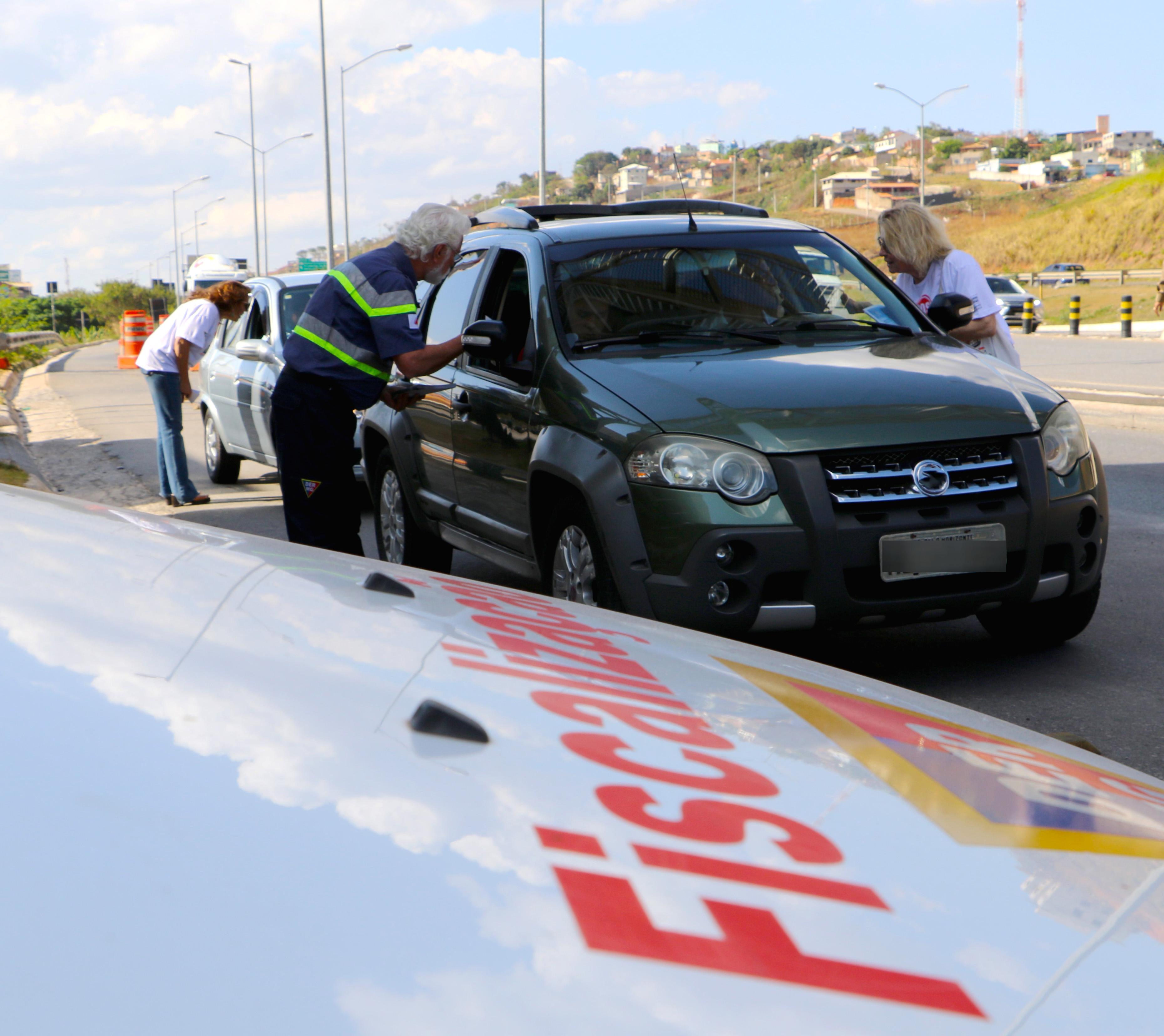 DEER/MG promove ações educativas sobre o transporte fretado de passageiros