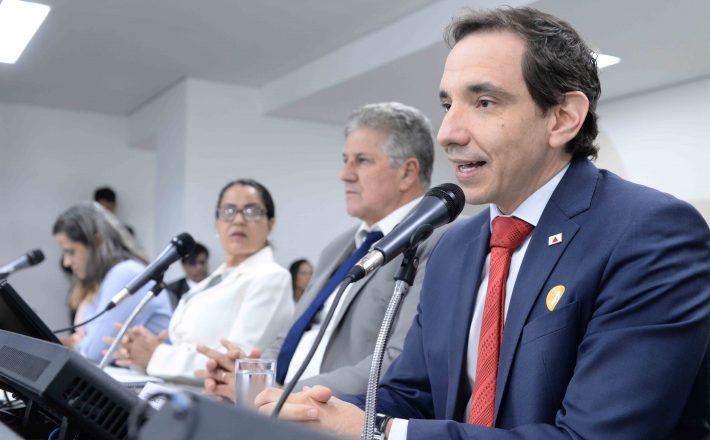 Secretário de Infraestrutura e Mobilidade detalha situação de obras durante o Assembleia Fiscaliza