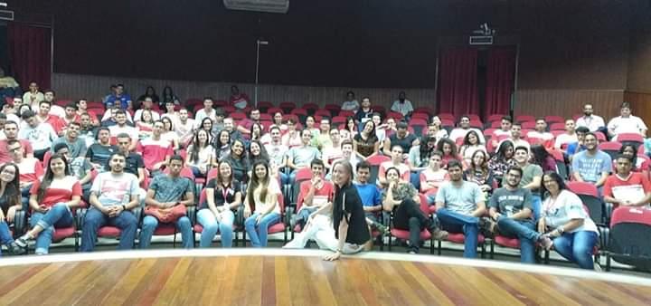 "Projeto ""UNIARAXÁ Promovendo Saúde"" ministra palestra para jovens na ação Mundo SENAI 2019"