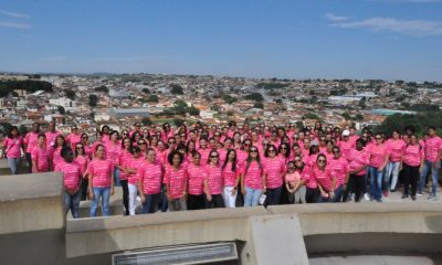 Caminhada promovida pela prefeitura marcou o encerramento da campanha Outubro Rosa