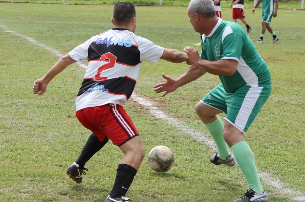 1ª Copa Municipal de Futebol Master, promovida pela Prefeitura, entra na fase semifinal