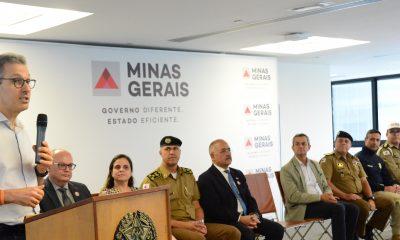 Romeu Zema entrega 40 viaturas para a Polícia Militar Rodoviária do Estado