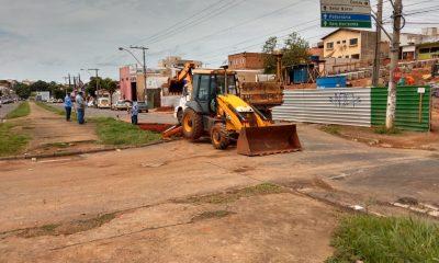 Prefeitura faz intervenção na Av. João Paulo II, em frente a obra do viaduto