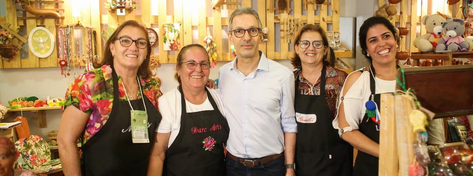 Romeu Zema prestigia artesãos em maior evento do setor na América Latina