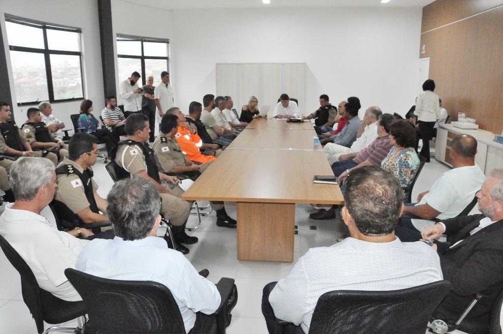 Prefeito Aracely assina convênio com a PM para terminar a Transitolândia