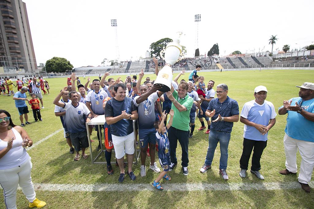 Prefeitura de Araxá encerra com sucesso a 1ª Copa Municipal de Futebol Master