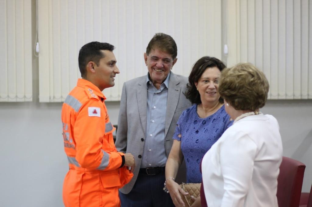 Prefeito Aracely prestigia solenidade de entrega da Medalha Desembargador Hélio Costa