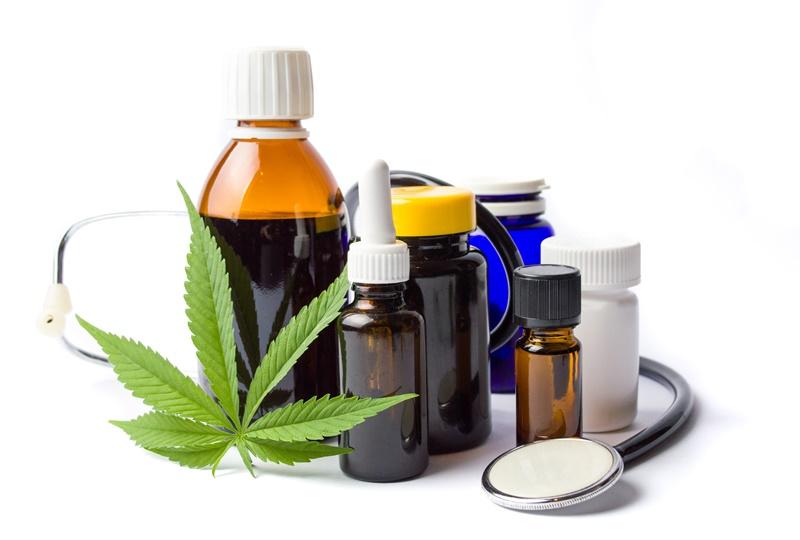 Anvisa libera registro e comercialização de remédio a base de maconha em farmácias no Brasil