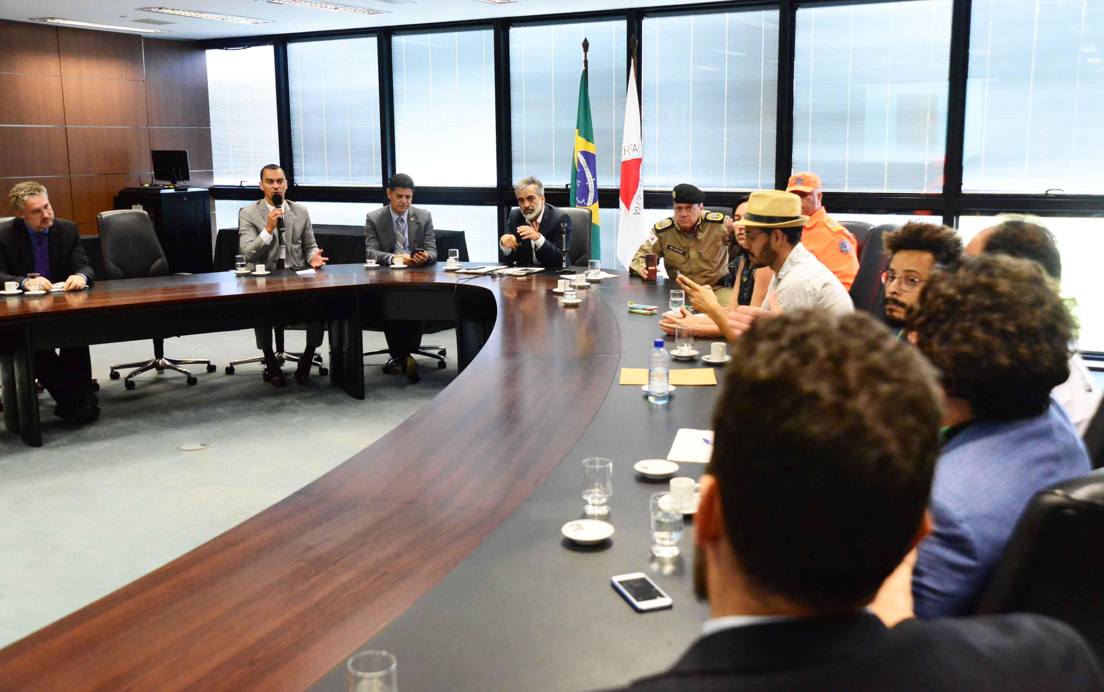 Governo de Minas dialoga com blocos de carnaval e Detran terá força-tarefa para receber e avaliar documentação pendente