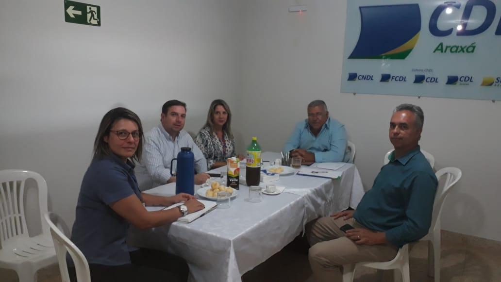 Parceria | UNIARAXÁ e CDL-MG