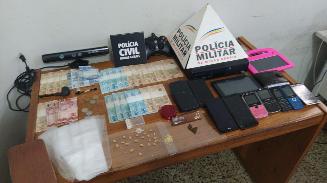 Em ação conjunta, Polícia Militar e Polícia Civil cumprem mandado de busca de apreensão, apreendem diversos objetos e prendem autores em Campos Altos