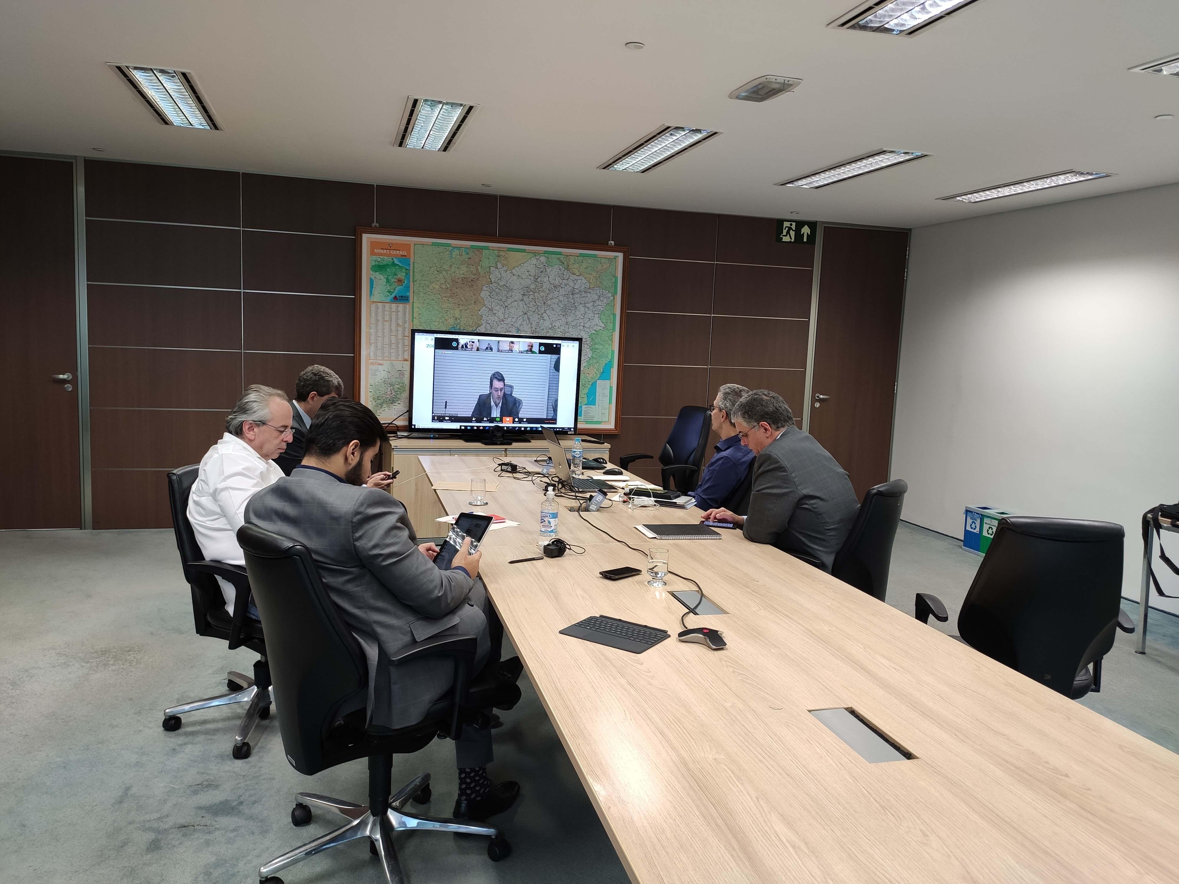 Romeu Zema participa de reunião com governadores do Sul e Sudeste e ministro da Infraestrutura