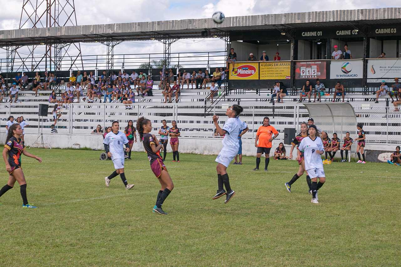 Prefeitura incentiva a prática do futebol feminino em Araxá