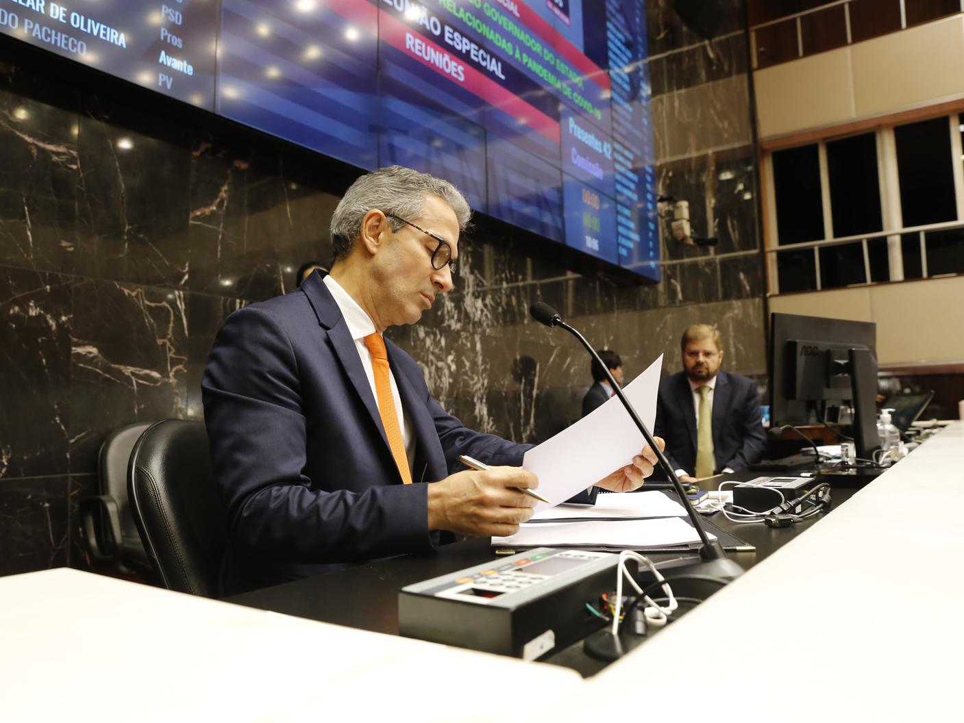 Romeu Zema sanciona seis projetos de lei relacionados à pandemia de coronavírus