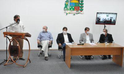 Prefeito assina contrato de concessão para instalação da McCain em Araxá