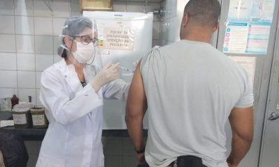 Estado vacina milhares de pessoas no sistema prisional