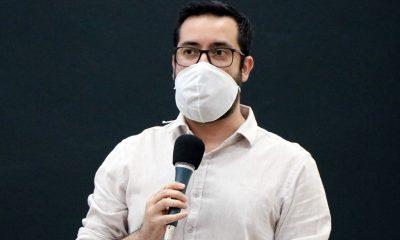 Raphael Rios cobra informações sobre atividades nas áreas de educação e saúde durante a pandemia