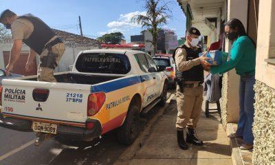 """Polícia Militar realiza distribuição dos donativos arrecadados na Campanha """"DISTRIBUA AMOR"""" em apoio ao TER-MG"""