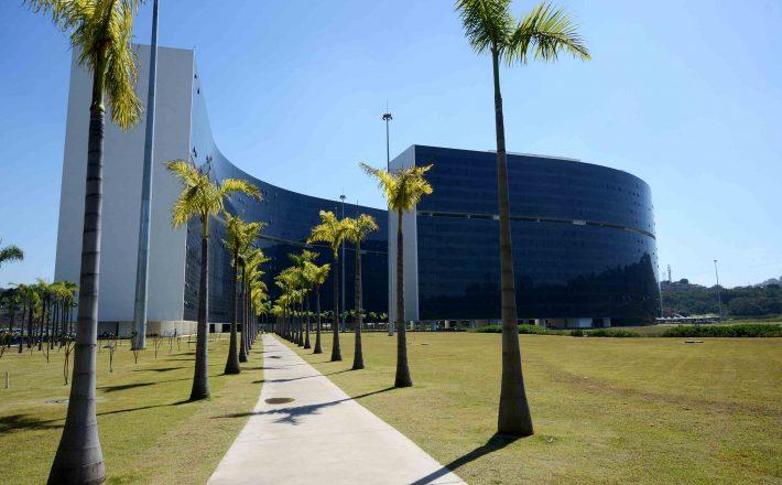 Governo de Minas anuncia primeira parcela do salário dos servidores e quitação integral para Saúde e Segurança