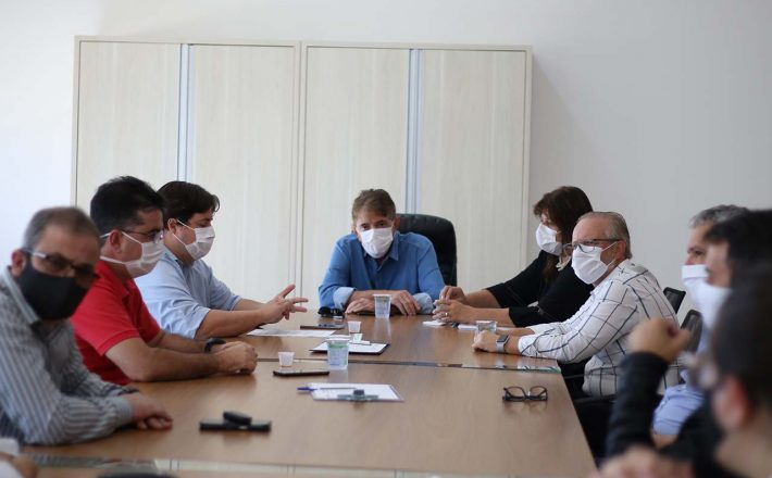 Prefeito Aracely participa de reunião de avaliação das ações do Comitê de Enfrentamento ao COVID-19