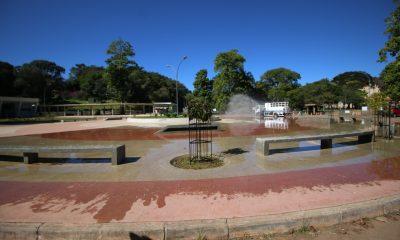 Desinfecção de lugares com grande circulação de pessoas continua sendo feita pela Prefeitura de Araxá