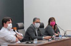 Vereadores recebem Secretária de Saúde em dia de Reunião Ordinária; Um Projeto de Lei é aprovado em Plenário