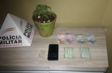 Polícia Militar apreende drogas em Araxá