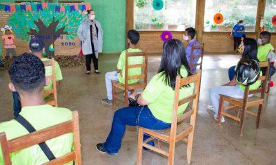 Prefeitura entregou certificados para os jovens do programa Casa do Pequeno Jardineiro