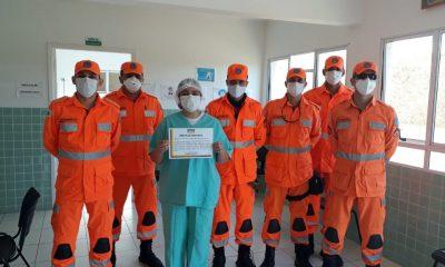 Técnica de enfermagem da Prefeitura é homenageada pelo Corpo de Bombeiros
