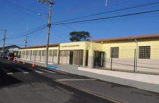 Prédio da Escola Auxiliadora Paiva recebeu ampla reforma e foi reinaugurado pela Prefeitura