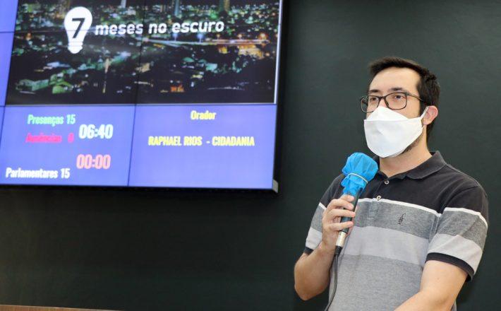 Raphael Rios volta a cobrar manutenção da iluminação pública; Araxá já está há 7 meses sem o serviço