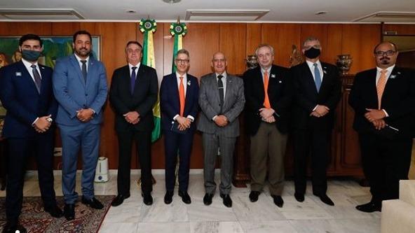 Zema e Bolsonaro debatem privatização da Codemig